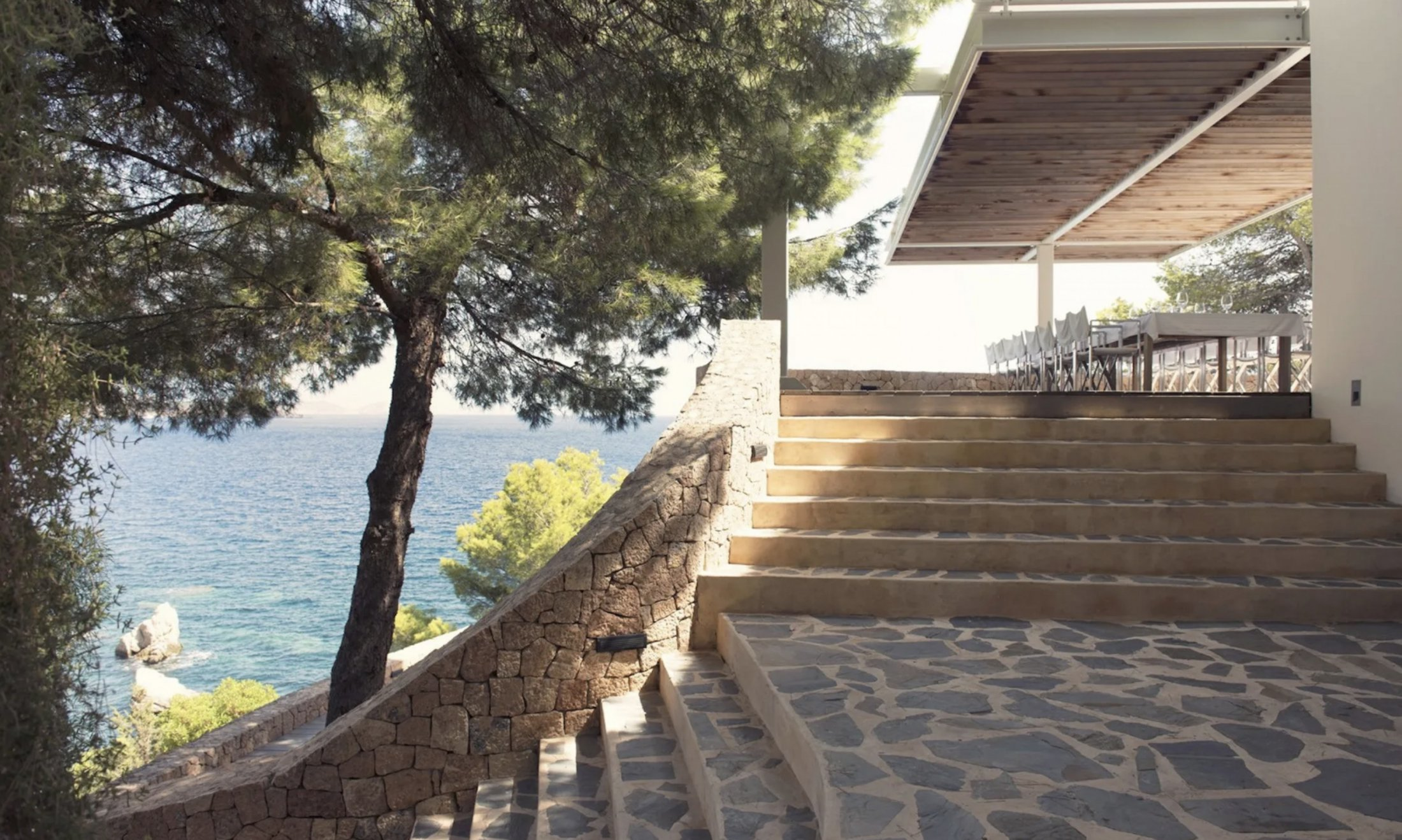 This amazing cliff ledge property is an estate set on the front line in the charming Es Cubells