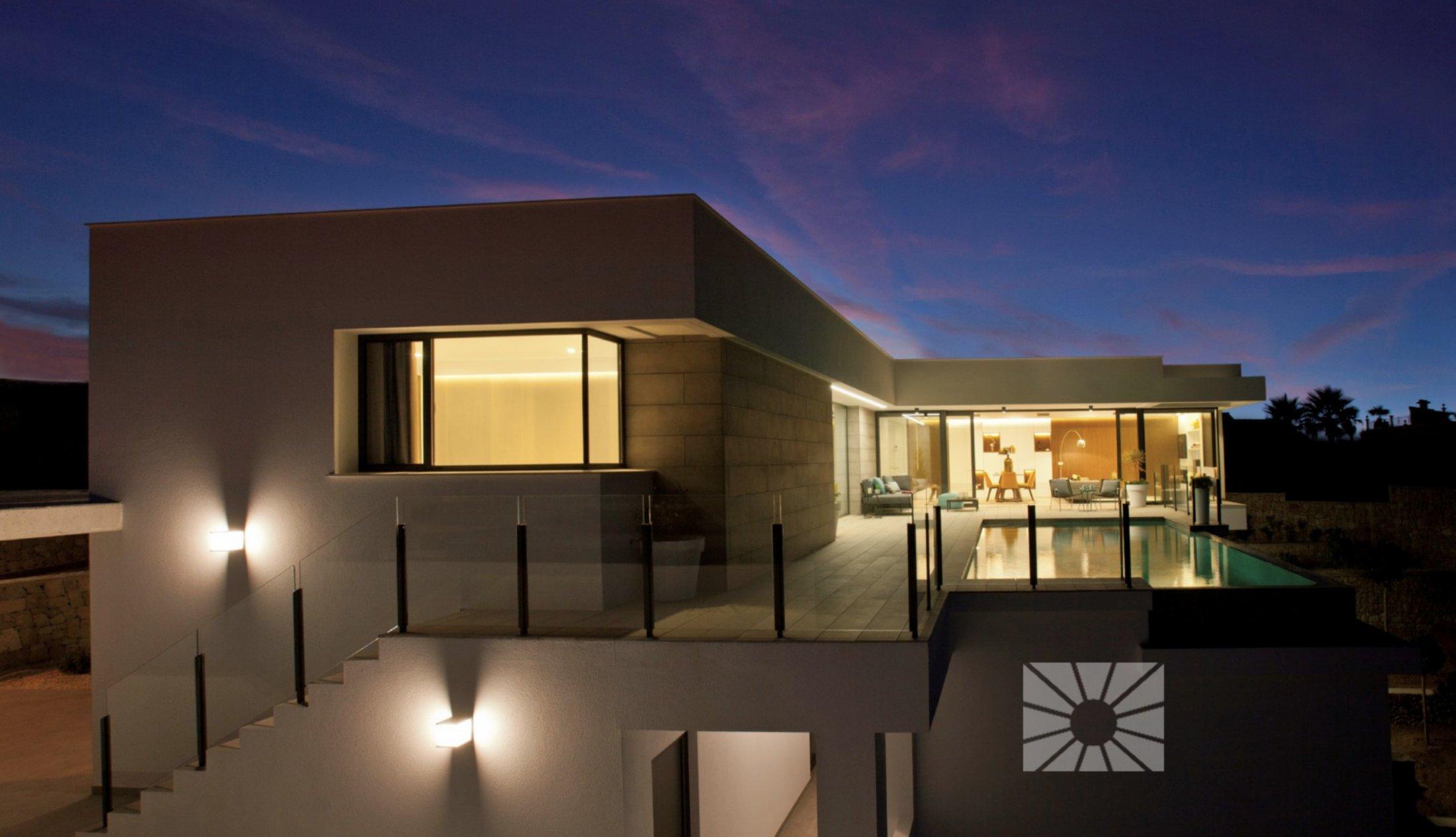 Moderne villa met zeezicht in Cumbre del Sol (Costa Blanca Noord)