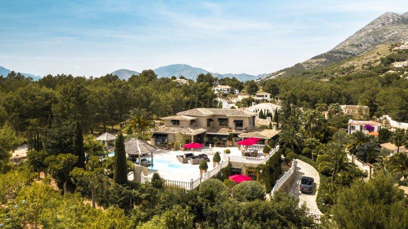 Volledig gerenoveerde villa- Altea